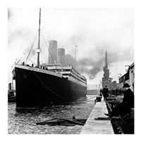 Titanic at the docks of Southampton Fine-Art Print