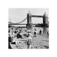 Londoners Relax on Tower Beach, 1952 Fine-Art Print