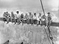 New York Construction Workers Lunching on a Crossbeam, 1932 Fine-Art Print