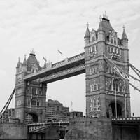 London Scene I Fine-Art Print