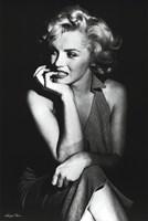 Marilyn Monroe (Sitting) Wall Poster