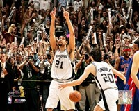 Tim Duncan 2005 -  NBA Championship Celebration (#4) Fine-Art Print