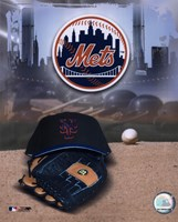 New York Mets - '05 Logo / Cap and Glove Fine-Art Print