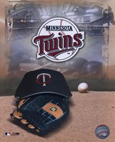 Minnesota Twins - '05 Logo / Cap and Glove Fine-Art Print