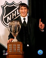 Alexander Ovechkin with the 2006 Calder Trophy Fine-Art Print