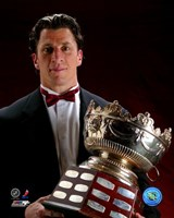 Rod Brind'Amour with the 2006 Selke Trophy Fine-Art Print