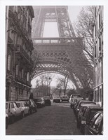 Street View of La Tour Eiffel Fine-Art Print