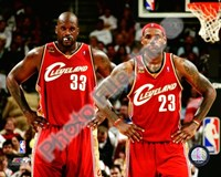 LeBron James & Shaquille O'Neal 2009-10 Group Shot Fine-Art Print