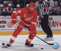 Nicklas Lidstrom 2009-10 Action Fine-Art Print