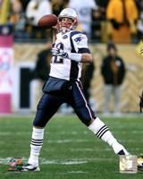 Tom Brady 2011 throwing the ball Fine-Art Print