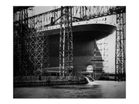 Titanic Constructed at the Harland and Wolff Shipyard in Belfast Photo Fine-Art Print