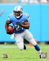 Reggie Bush Running On Football Field Fine-Art Print