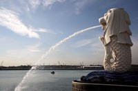 Singapore Merlion statue in the Merlion Park Fine-Art Print