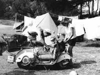 Jeune Couple en Camping, 1960 Fine-Art Print