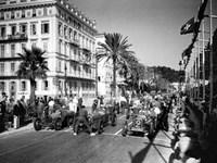 Depart du Grand Prix automobile de Nice 1934 Fine-Art Print