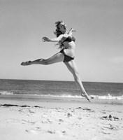 1950s Woman In Bikini Running Fine-Art Print