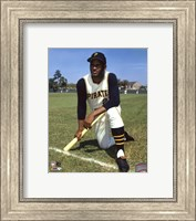 Roberto Clemente - posed baseball Fine-Art Print